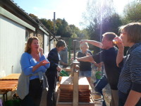 Juicing workday Oct  2012_027_1.JPG